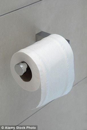 3.dez.2015 - Uma dica do especialista em etiqueta William Hanson é deixar o papel higiênico sempre rolar de cima para baixo, e não o contrário