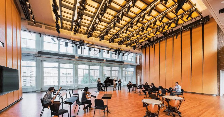 20.jan.2017 - Salas de aula e bastidores do Carnegie Hall foram algumas das áreas reformadas