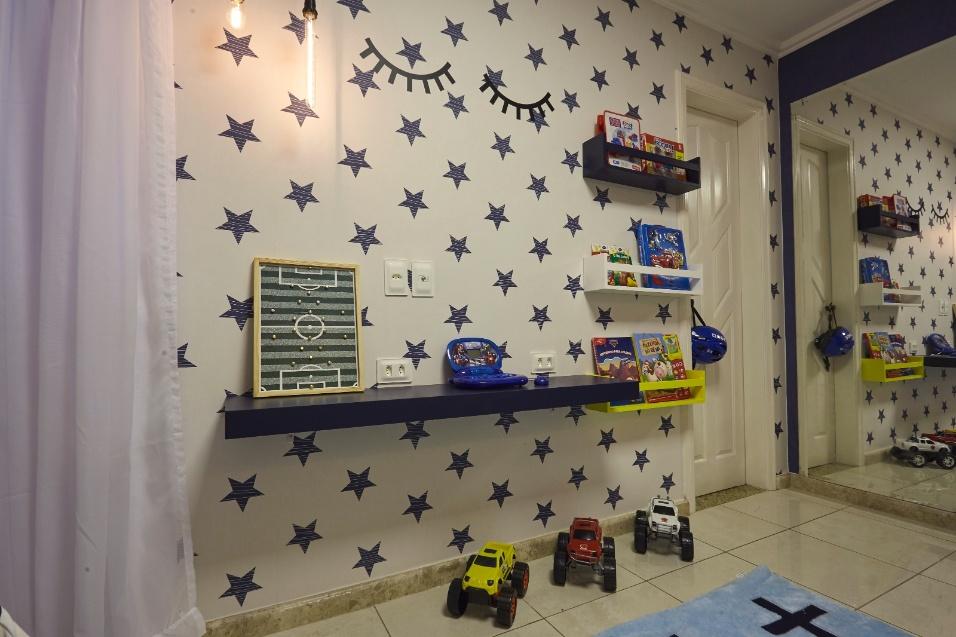 15.fev.2017 - Mobiliário do quarto, inspirado no método montessoriano, inclui poucas peças, com o intuito de deixar bastante espaço para brincadeiras
