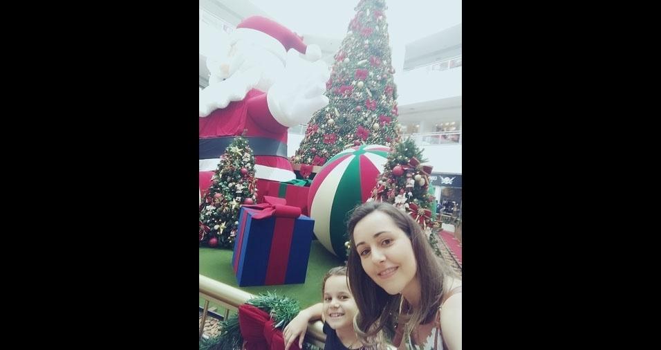 Elaine e a sobrinha Mariane, no Natal de Bauru (SP)