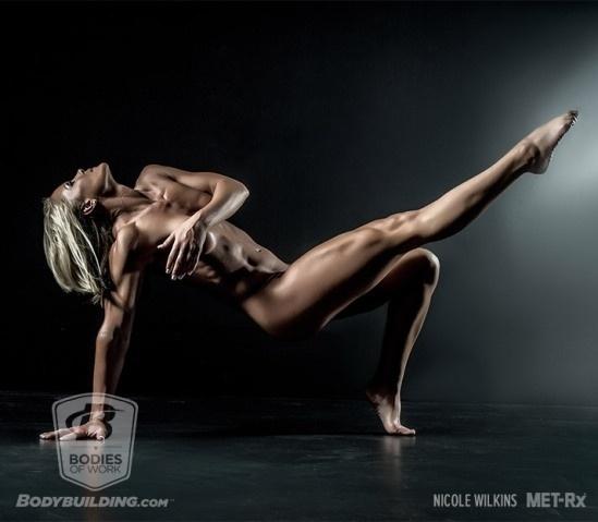25.abr.2016 - Um ensaio fotográfico chamado Bodies of Work, que enaltece o resultado da malhação firme de fisiculturistas, reuniu uma série de atletas em poses extremas e conseguiu um resultado espetacular. O registro foi realizado pela agência LHGFX e divulgado pelo site Body Building