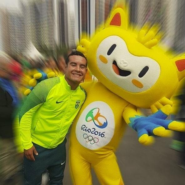O saltador Ian Matos, de 27 anos, se assumiu gay em janeiro de 2014 e se tornou orgulho para a comunidade LGBT. Nos Jogos Olímpicos do Rio, Ian faz dupla com Luiz Felipe Outerelo. Os dois ficaram em 8º lugar nos saltos ornamentais no trampolim de três metros