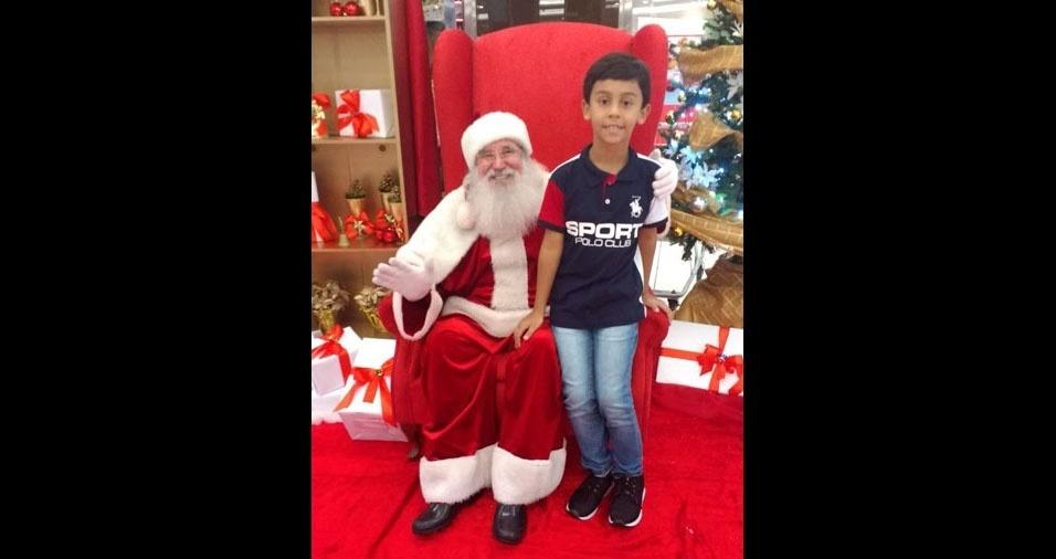 Alexandre Pereira Alves, de Araguari (MG), enviou foto do filho Davi em shopping na cidade de Uberlândia