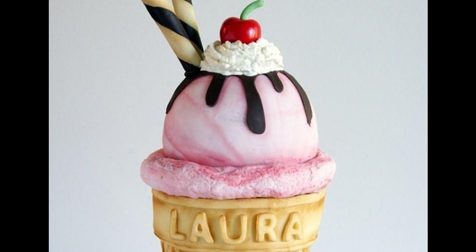 16. Bolos em formato de sorvete são definitivamente um sucesso entre os apreciadores do trabalho de Laura, que adoram esse modelo