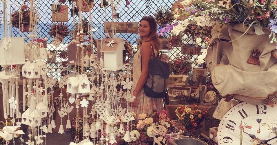 10.jul.2016 - Prestes a completar 18 anos, Sasha aparece em loja de artigos de decoração no Instagram