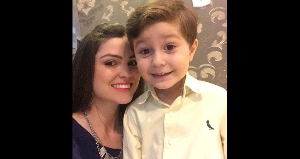 Loana com o filho Miguel, de Sertanópolis (PR)
