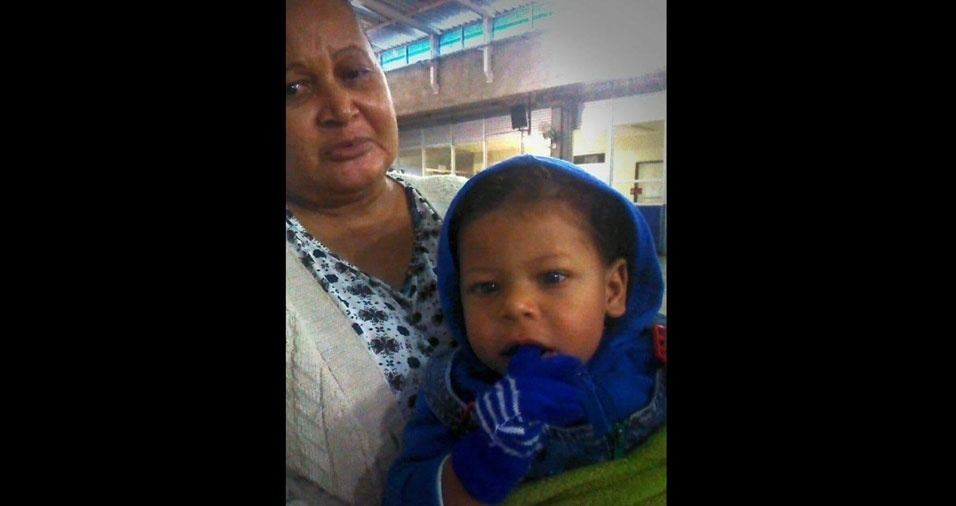 Benjamin Antonio com a avó Vera Lucia Silva, de Lins (SP), em foto enviada pela  Alexsandra Poliana Silva, mãe do Benjamim