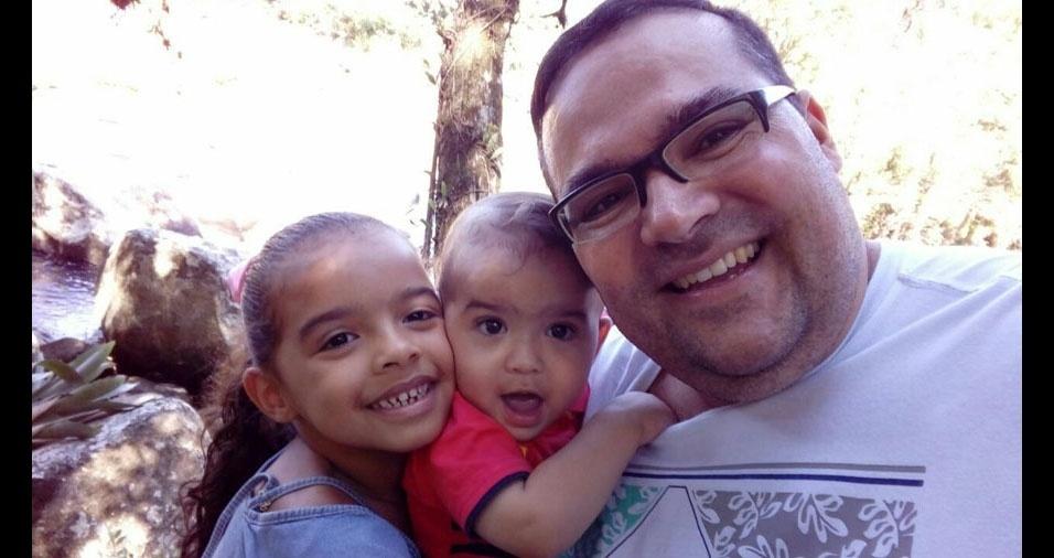 Leoberto com os filhos Letícia e Théo, de Tubarão (SC)