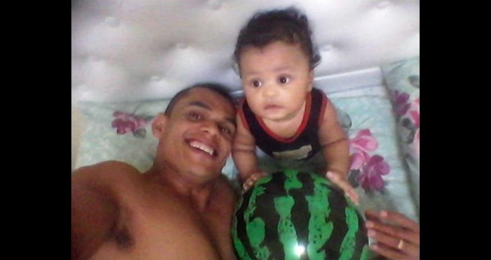 Erlon Dias mandou selfie com o pequeno Pietro Lucca
