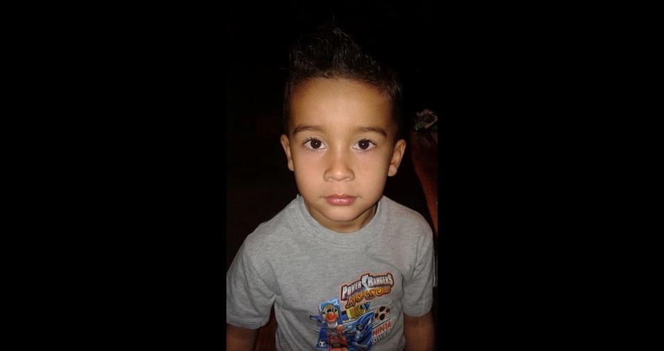 Aurélio é o filho do Lucas Ricardo de Jesus Lemes, de Santa Vitória (MG)