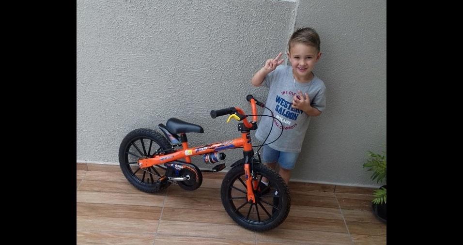 De Palmas (PR), o Felipe Fortunati mandou foto do filho Lorenzo
