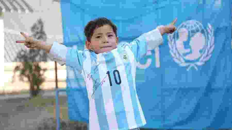Murtaza Ahmadi virou alvo do Taleban por causa de sua história com Messi - Unicef/Divulgação