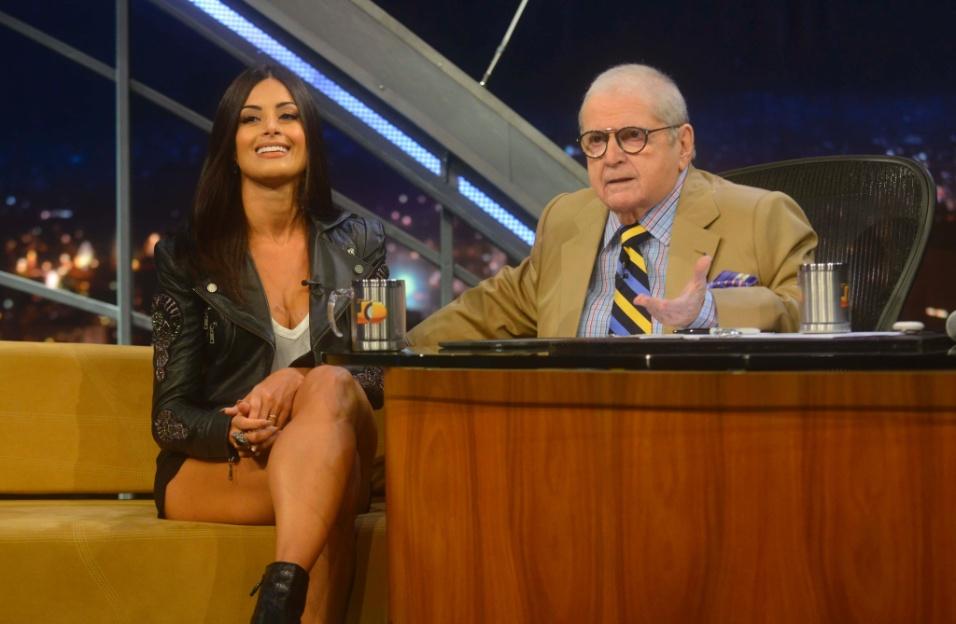 "20.abr.2015 - Jô Soares entrevista a bailarina Aline Riscado no ""Programa do Jô"""
