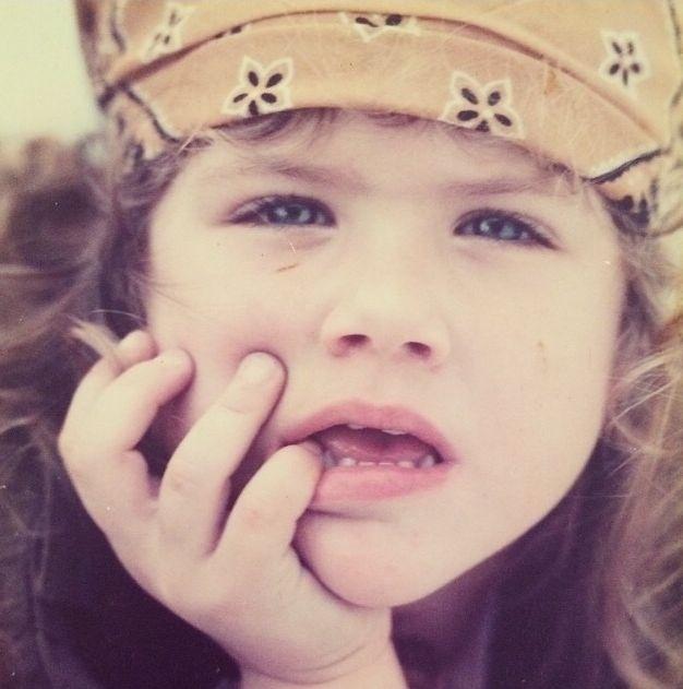 Giovanna Ewbank em foto de infância publicada no Instagram