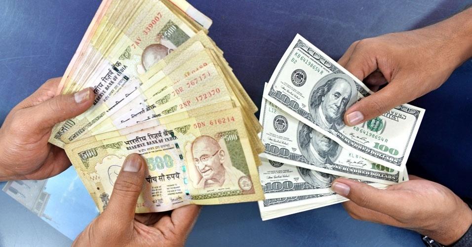 3. É proibido para os estrangeiros levar rúpias, a moeda local, para fora da Índia