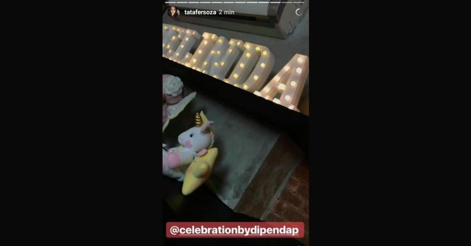 6.ago.2017 - Thaís Fersoza não esqueceu de mostrar cada detalhe da festinha, que também contou com um letreiro iluminado do nome da pequena Melinda