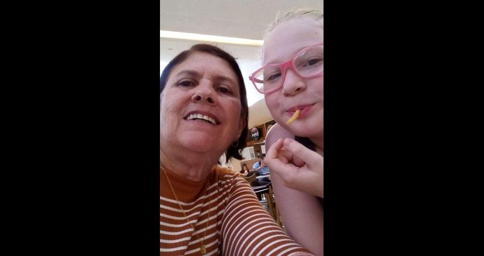 """Ana Júlia Pereira do Prado, de Taubaté (SP), com sua avó Ana Pereira de Barros: """"Ninguém segura essa dupla!"""""""