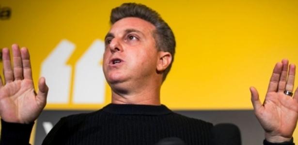 O apresentador Luciano Huck desistiu de concorrer à Presidência da República
