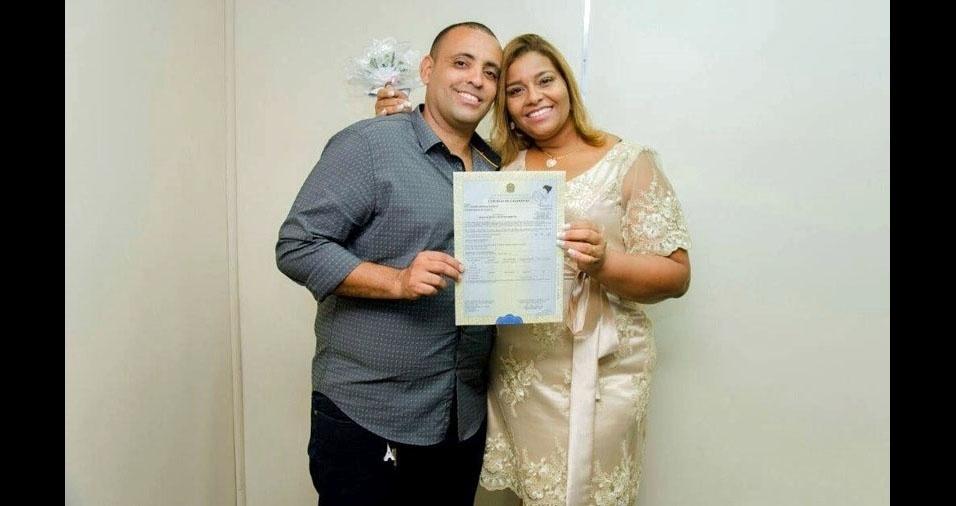 """Leidiane Carreiro e Paulo Carreiro se casaram no Rio de Janeiro (RJ), no dia 21 de janeiro de 2018: """"Enfim casados!"""""""