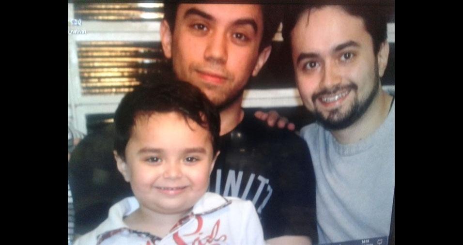 Matheus, Raphael e Eloy são os filhos da Ivete Freitas, de Piedade (SP)