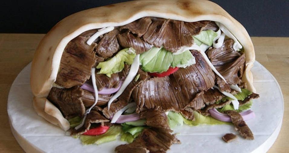 2. Parece um kebab, mas é um bolo