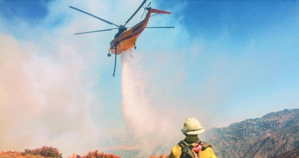 10. A comunicação, aliás, juntamente como a paciência, é a chave para que a equipe de bombeiros consiga agir rapidamente e eliminar as chamas