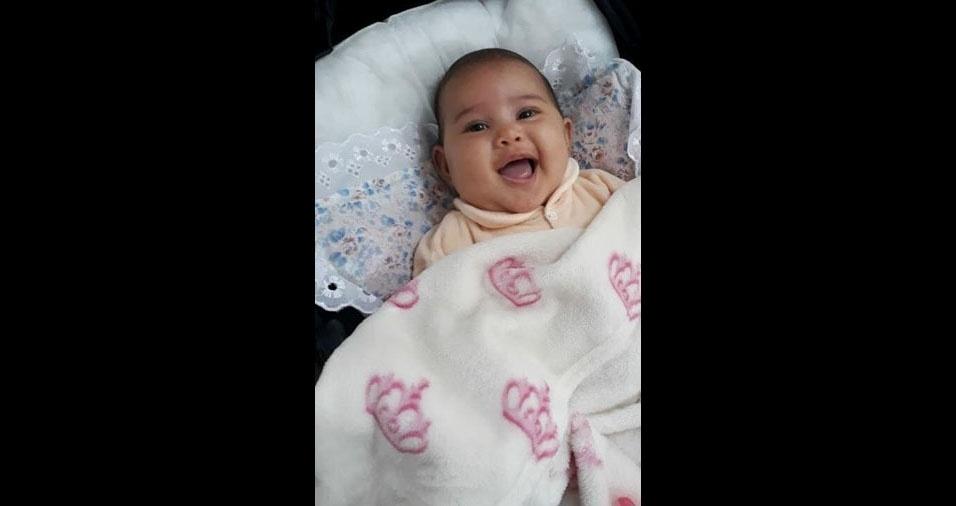 Todo orgulhoso, o Henrique Sato Ângelo, de São Paulo (SP), mandou foto da primeira filha, a Luísa