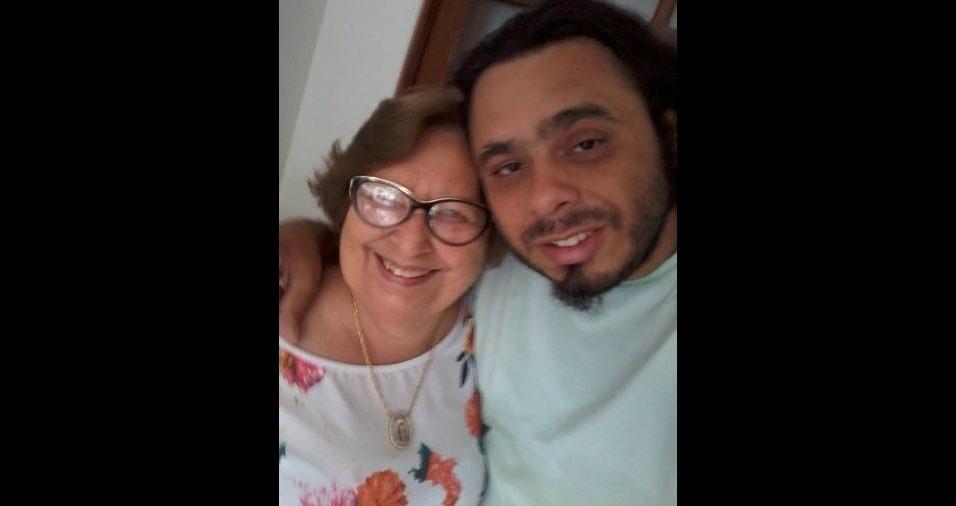 João com a mamãe Maria Risonete, de Caruaru (PE)