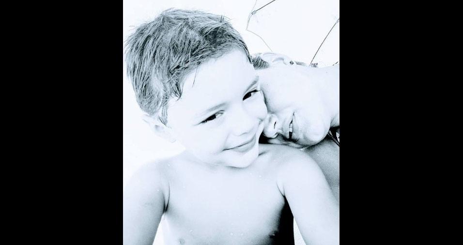 Michele Cardoso Vicenti com o filho Otávio Vicenti Bayer, de Canoas (RS)