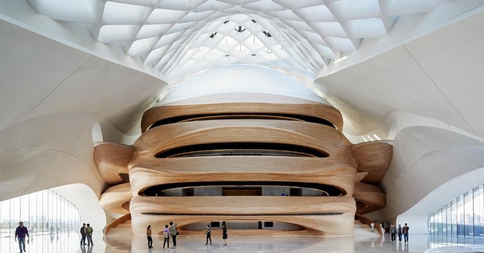 19.fev.2016 - Casa de Ópera de Harbin possui dois teatros, um com capacidade para 1.600 pessoas e um menor, para 400
