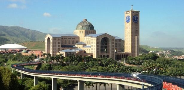 A Basílica de Nossa Senhora Aparecida é o maior santuário mariano do Brasil e o 2º maior do mundo