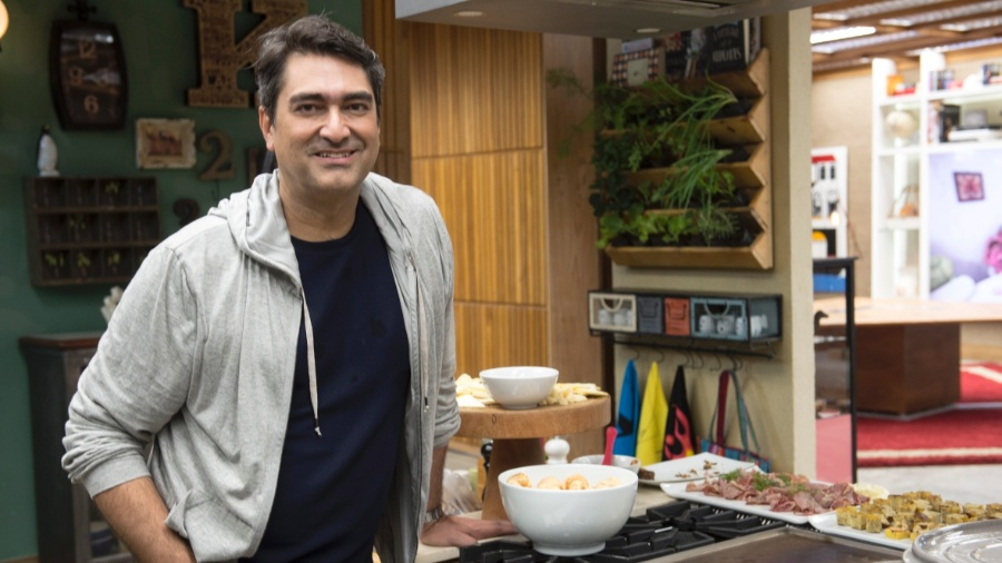 "Zeca Camargo na cozinha do ""Ë de Casa"" - Renato Rocha Miranda/Globo"