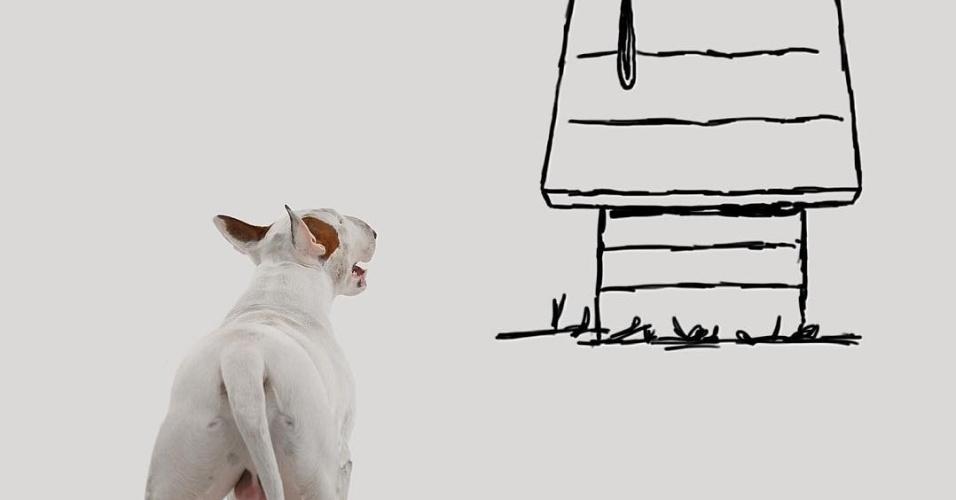 """9.dez.2015 - Ilustrador brasileiro coloca o bull terrier de estimação em cena clássica do quadrinho """"Peanuts""""/""""Snoopy"""""""