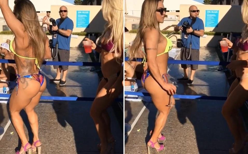 """25.set.2016 - Em um momento de descontração à beira da piscina, a ex-BBB Michelly tentou ensinar uma amiga a rebolar. De biquíni, as duas foram até o chão durante uma festa em Las Vegas, nos Estados Unidos. """"Ensinando a Hattie Boydle a tremer o bumbum... Ela é linda e super simpática"""", escreveu a bela"""