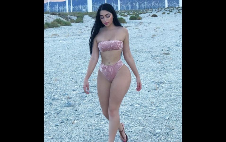 8.ago.2017 - A modelo Jailyne Ojeda Ochoa mostrou suas belas curvas em um ensaio de biquíni em sua terra natal, nos Estados Unidos. A sessão de fotos foi realizada em Palm Springs, na Califórnia