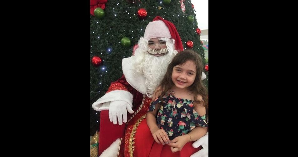 """Anderson Margon, de São Roque do Canaã (ES) - """"Sou pai desta linda garotinha - Laura Margon. Feliz natal a todos do BOL"""""""