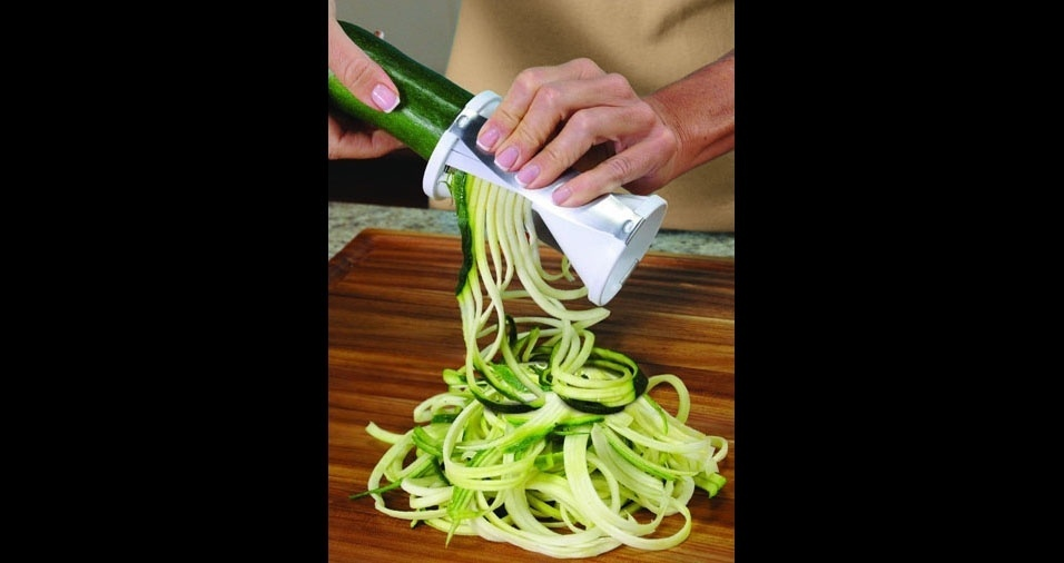 40. Cortador para fazer macarrão com vegetais