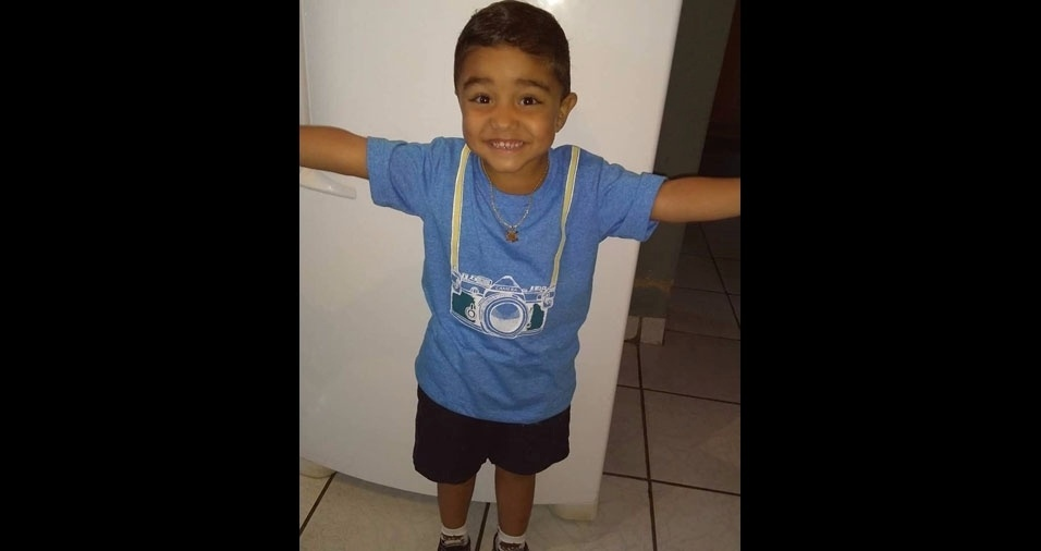 """José Pedro é o filho da Simone Rossetti e do Romário, de Sertãozinho (SP): """"Amamos nosso pequeno príncipe!"""""""