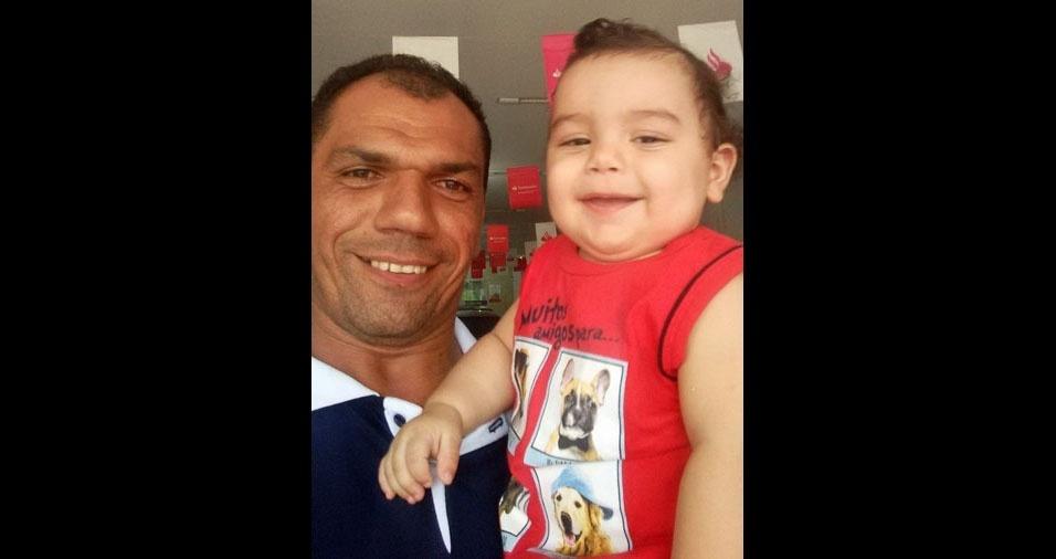 Papai Cícero com o filho Davi Lucas, de Cajazeiras (PB)