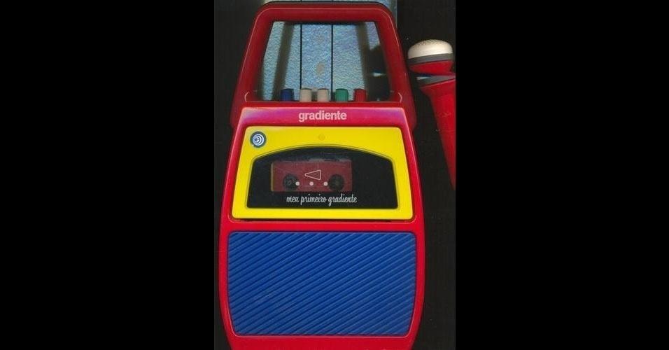 4. Gravador infantil - Com este microfone e gravador, as crianças podiam cantar, falar e gravar suas vozes em uma fita K7