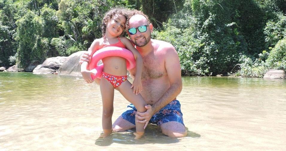 Beatriz Sodré com o pai Adriano, de Campinas (SP)