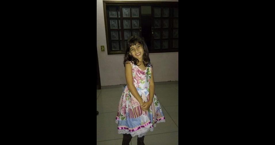 """""""Lana, cinco anos, pra sempre a minha gatinha! Mamãe e papai te amam, minha princesa!"""", declaram Vânia Russiano e Rafael Tosta, de Sumaré (SP)"""