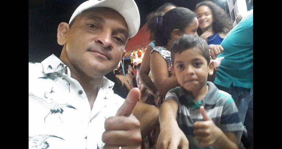O pai Eliezio com o filho Anthony