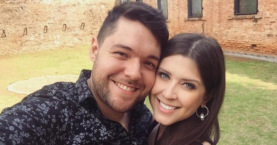 Dez.2016 - Nasser e Andressa passaram a morar juntos após deixarem o reality