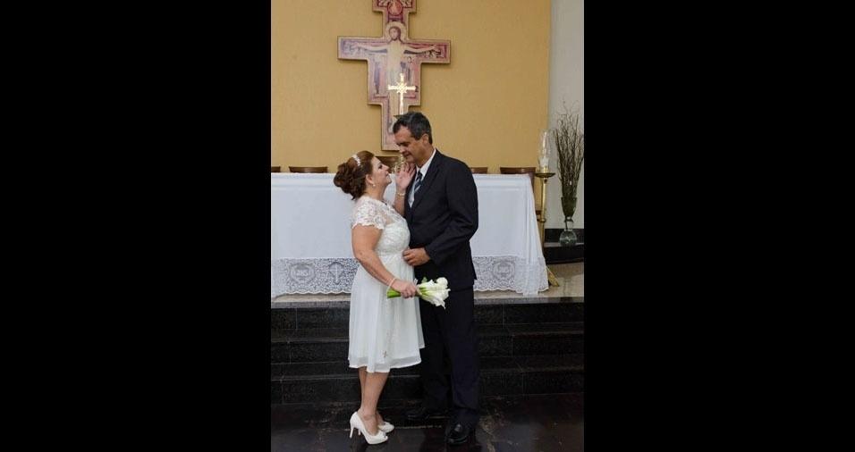 Os noivos Haroldo Souza Pereira e Tanea Gomes de Almeida, depois de 22 anos de casados no civil e dois filhos, casaram-se no dia 8 de abril de 2017, na Paroquia São Francisco de Assis, em Vila Velha (ES)