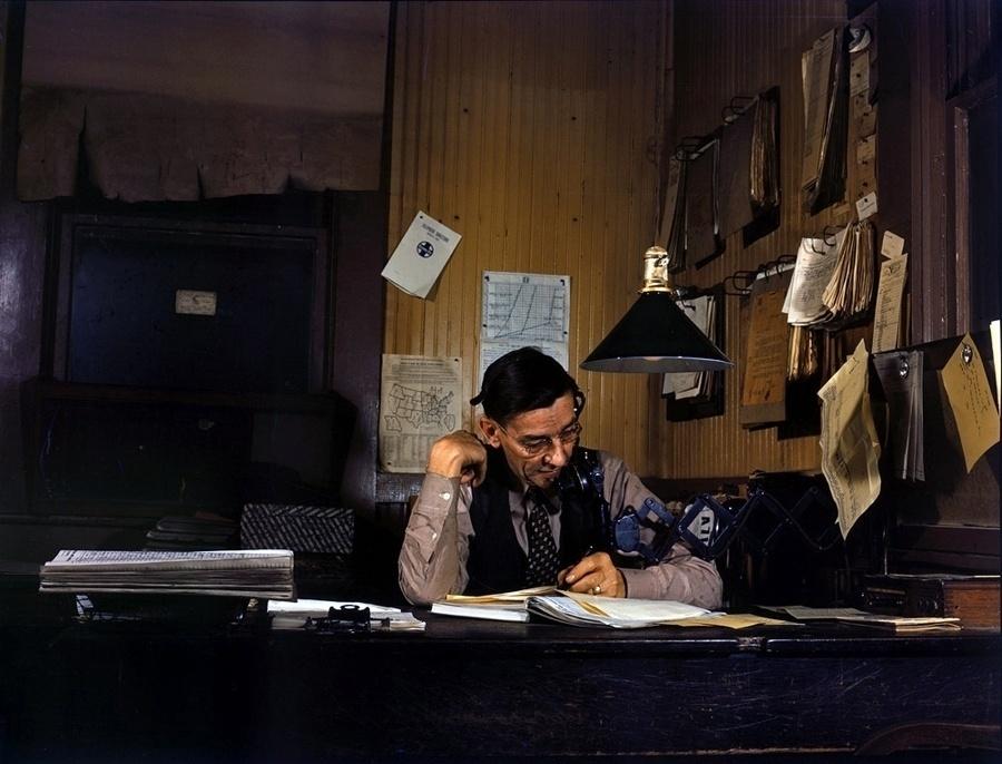 1°.out.2015 - O site War History Online reuniu 38 imagens raras e coloridas do período da Segunda Guerra Mundial