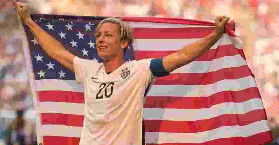 1. Abby Wambach integrou a seleção dos EUA que faturou o ouro olímpico em 2004 - Reprodução/YouTube