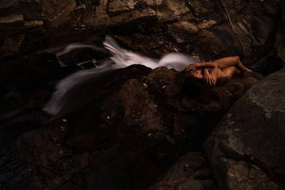 14.ago.2016 - O fotógrafo brasileiro Leonardo Maceira, de Curitiba (PR), criou o projeto Nu Mundo em 2014 para exaltar a beleza real das mulheres em ambientes que também exaltam a natureza do Brasil. Maceira viaja pelo país para fazer workshops e fotografar mulheres que se voluntariam para o projeto