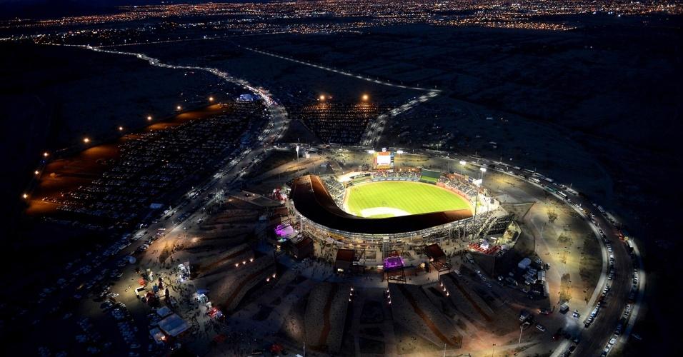 6.mar.2017 - Construído em uma reserva ambiental na cidade de Hermosillo, o Estádio de Sonora foi desenhado para receber até 16 mil torcedores em partidas de beisebol