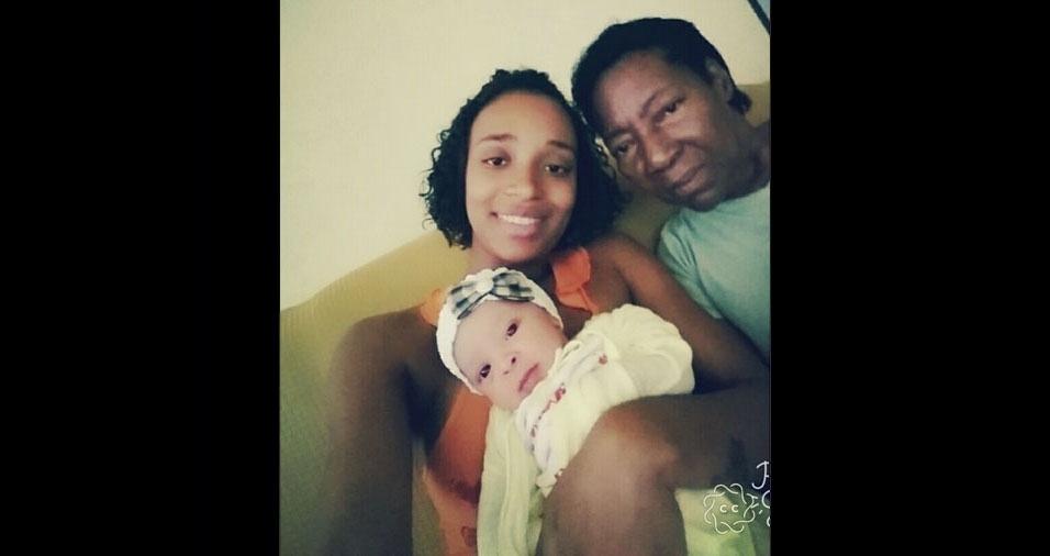 Vovó Jocelita com a neta Aline e a bisneta Isabelly, de Duque de Caxias (RJ)
